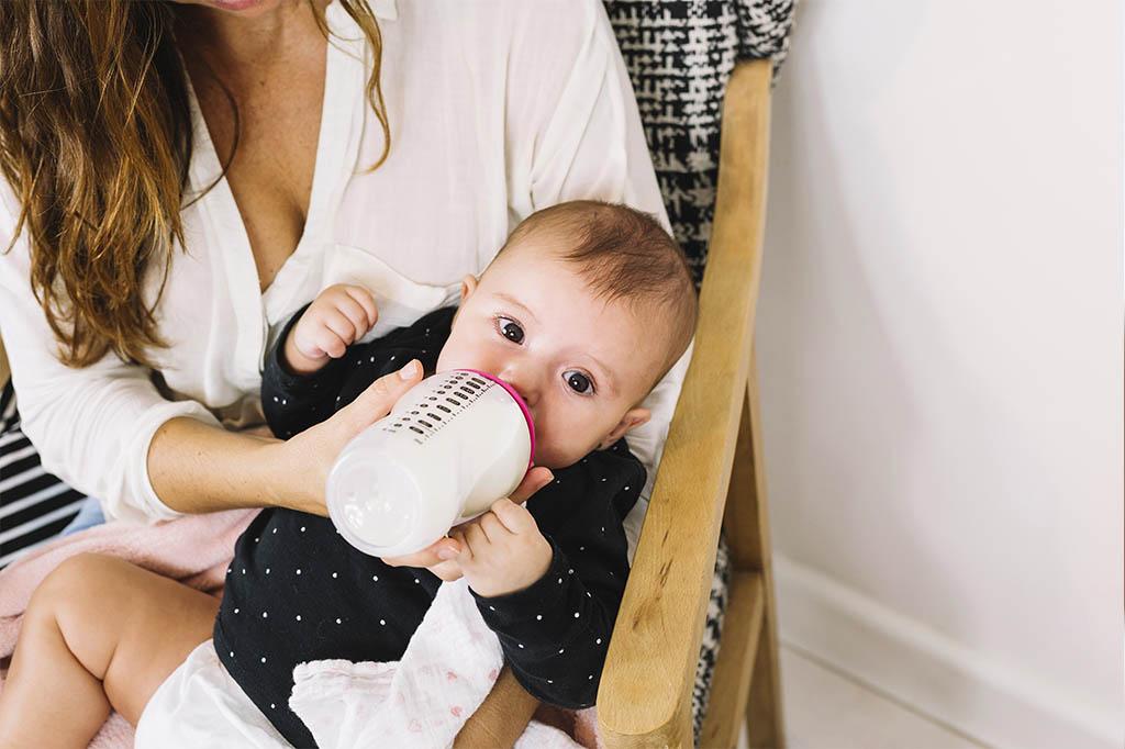 4-aylik-bebeklerde-beslenme