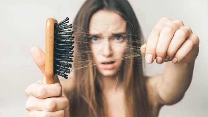 Saç dökülmesi ile başa çıkmanın yolları