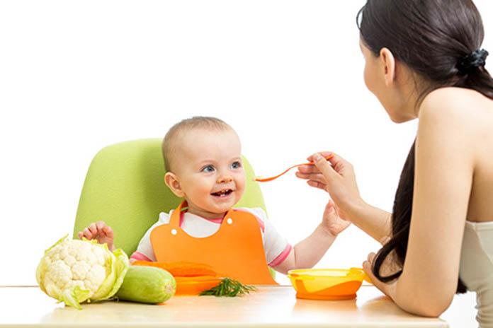 bebeklerin-saglikli-gelisimi-icin-saglikli-besinler