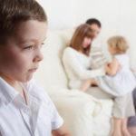 Kardeş kıskançlığına çözüm ebeveynlerde