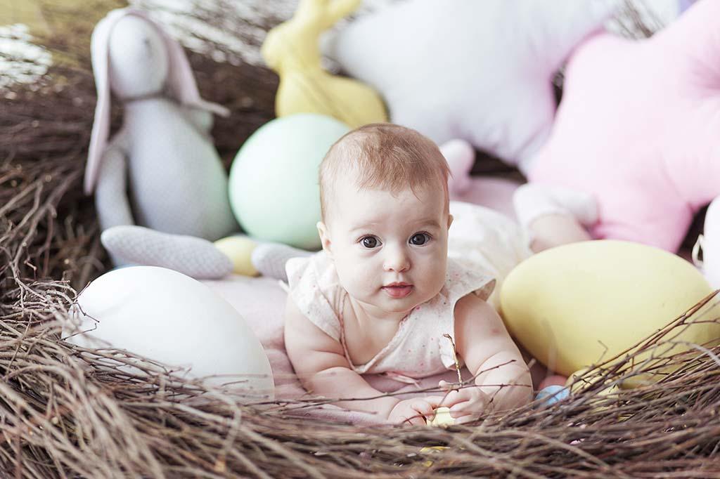 Yeni doğan bebekler hangi pozisyonda uyumalı?