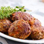 Ramazanda sofranızı lezzetlendirin: Nefis ev köftesi tarifi